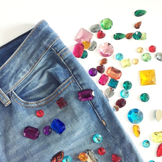 1-diy-bejeweled-jeans