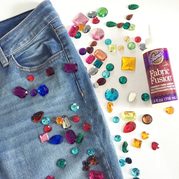 2-diy-bejeweled-jeans