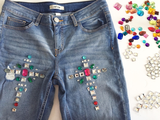 5-diy-bejeweled-jeans
