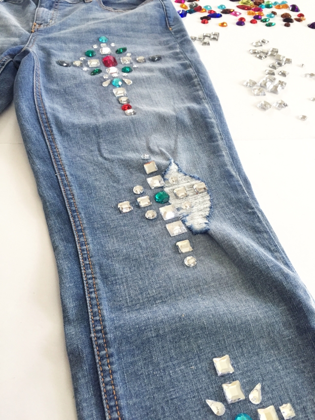 9-diy-bejeweled-jeans